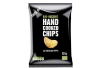 trafo hand cooked chips zeezout peper