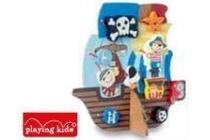 playing kids houten piratenschip