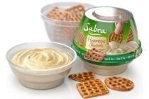 sabra houmous met pretzels