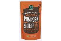 jumbo biologische romige pompoen soep met wortel en paprika