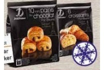 roombotercroissants of mini chocoladebroodjes