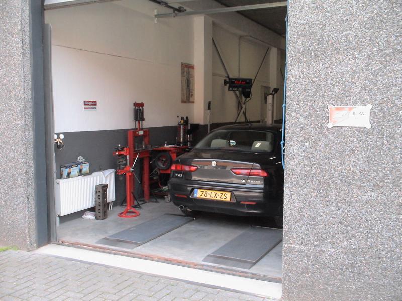 Garage Huren Amsterdam : Openingstijden service garage kraaiven kraaivenstraat in tilburg