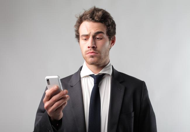 Een werknemer ontslaan: kan dat via Whatsapp?
