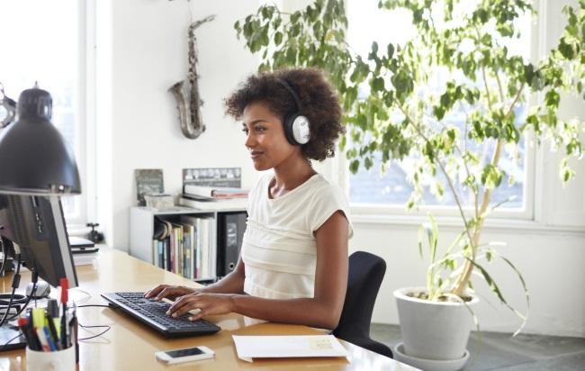 Muziek op de werkvloer: do or don't?