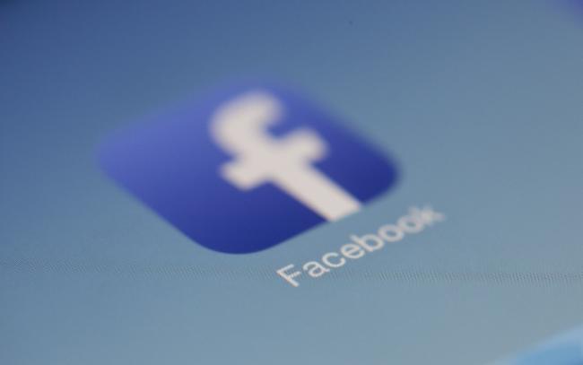 Groot aantal bedrijven deelt ongevraagd klantgegevens met Facebook