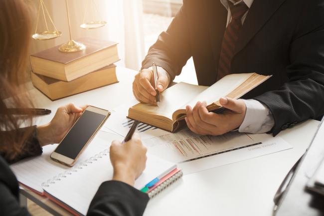 Advocaten geprezen om deskundigheid, relatief veel klachten over bereikbaarheid