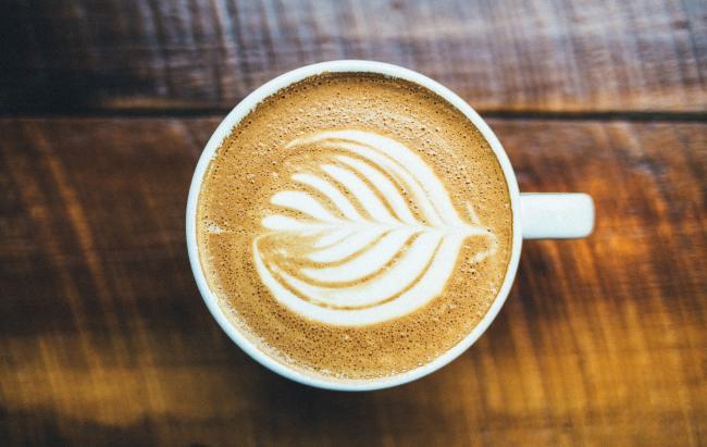 De ins en outs over koffie op kantoor en wat u moet weten over koffie op de werkvloer