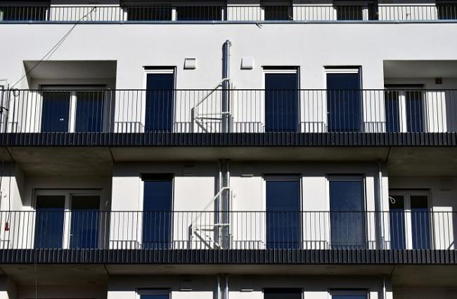 Klant beoordeeld woningbouwbedrijven met een 4.0