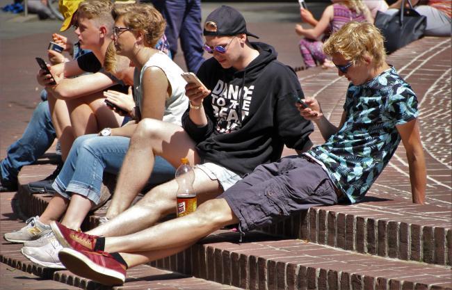 Aandeelhouders Apple: pak smartphoneverslaving onder kinderen aan