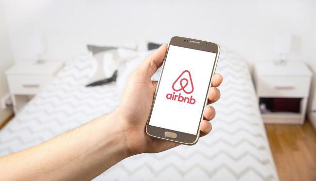 Weer een stijging in aantal ruimtes dat verhuurd is via Airbnb in Nederland