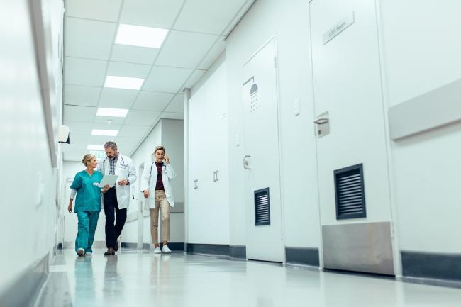 Telefonische bereikbaarheid bij ruim een derde van de ziekenhuizen niet op orde