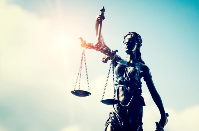 Megaschikkingen moeten worden beoordeeld door onafhankelijke rechter