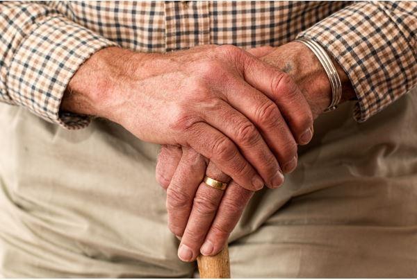 AOW-leeftijd hoeft minder snel omhoog door langzame stijging levensverwachting