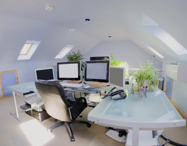 Kantoor Aan Huis : Kantoor aan huis interieur in een nieuwbouw huis u stockfoto