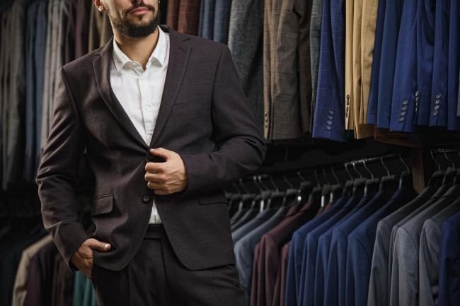 Hoe kleed je je stijlvol op kantoor?