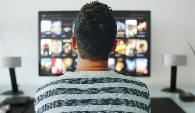 87 procent gebruikt een tweede scherm tijdens het tv-kijken.