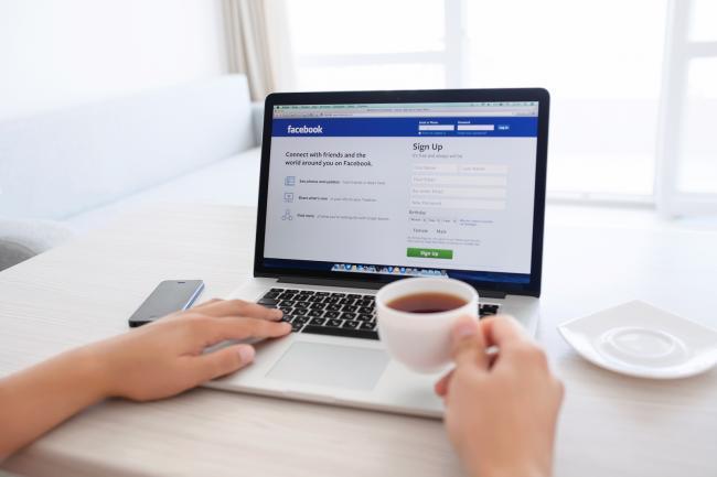 Het nieuwe Facebook-algoritme bestrijdt pulpnieuws redelijk effectief