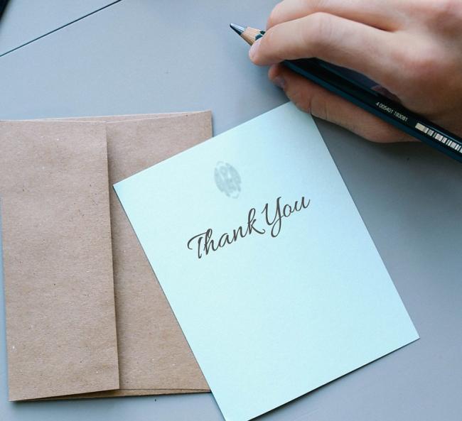 De kracht van het bedankkaartje