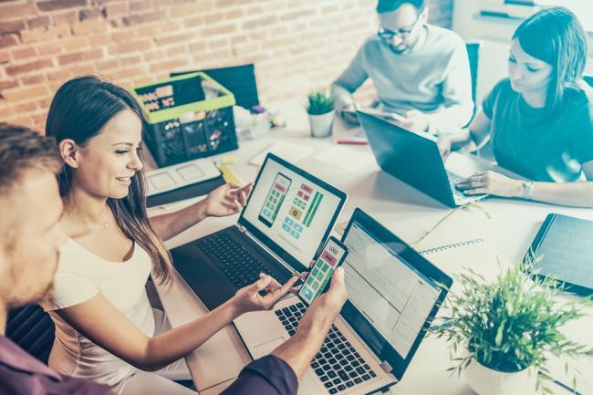 Creatief met webdesign: dit zijn 8 opvallende trends voor 2019