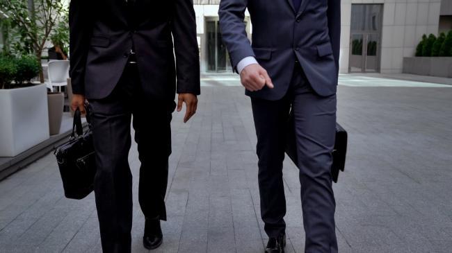 Businesspartners die samen ondernemen