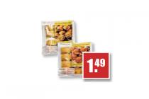 mini kaassnacks saucijzenbroodjes of worstenbroodjes