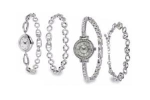 zilverkleurig horloge en armband