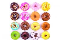 plus gedecoreerde donuts
