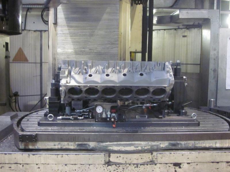 V12 hydraulische spanmal