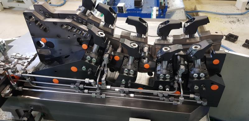 complexe flexibele hydraulische produktie mal