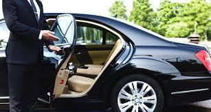 Zwarte Mercedes (en zonder reclame uitingen)