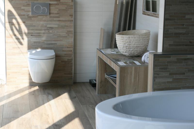 Badkamer tegels hout - Badkamer tegel imitatie hout ...