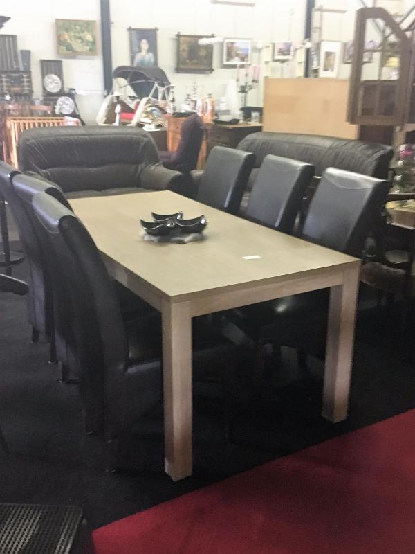 eethoek tafel 1.80 bij 90 6 stoelen € 150,-