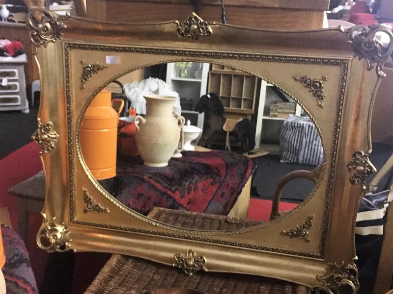 brocante spiegel €19,95