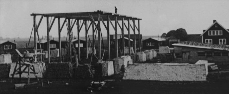 De bouw in 1934 / Construction 1934