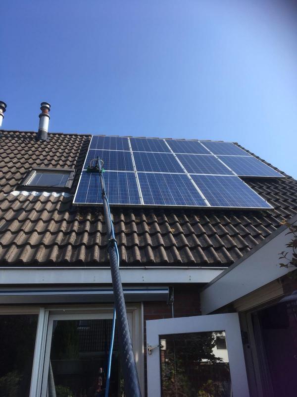 Schone zonnepanelen voor het behoud van uw rendement