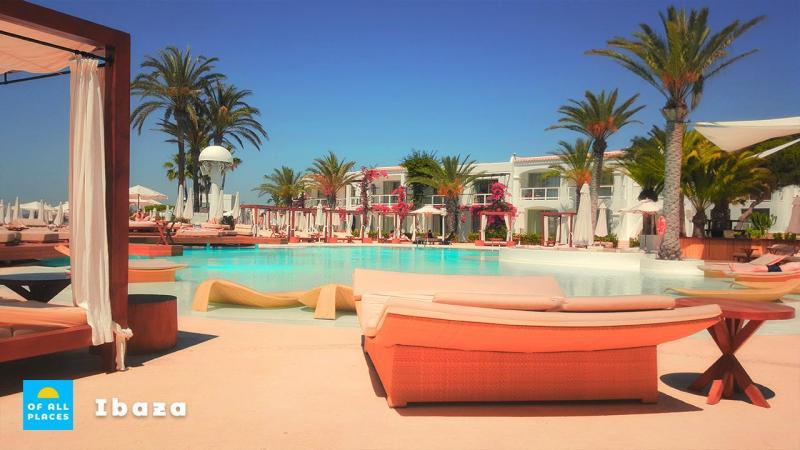 Geliefde vakantiebestemming Ibiza biedt een bruisend nachtleven.