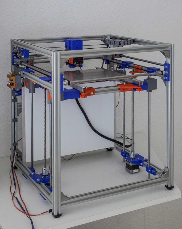 De 3D geprinte onderdelen van deze printer zijn gemaakt met ons PETG filament