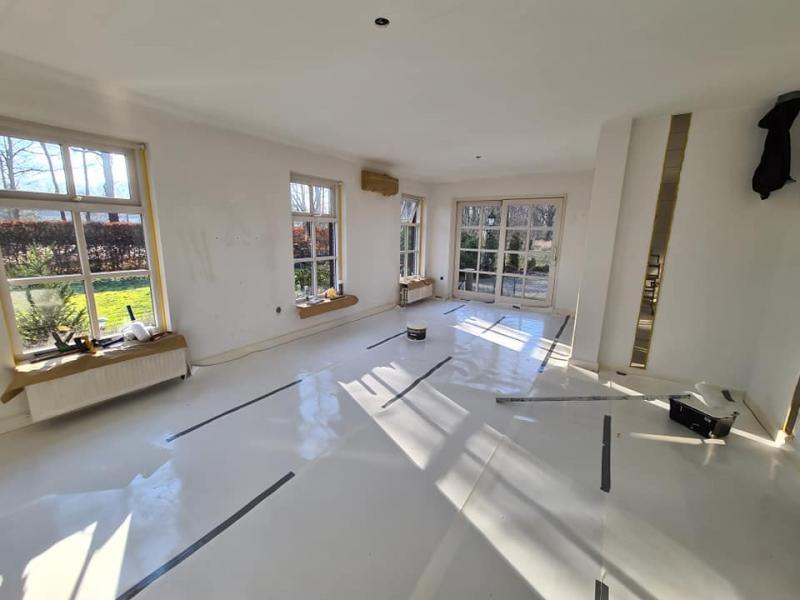 voorbereiding voor plafonds en wanden en raamkozijnen aan te pakken.
