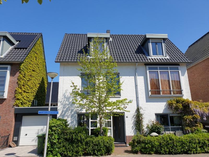 Onderhoud aan dak, 48 Woningen in Gouda