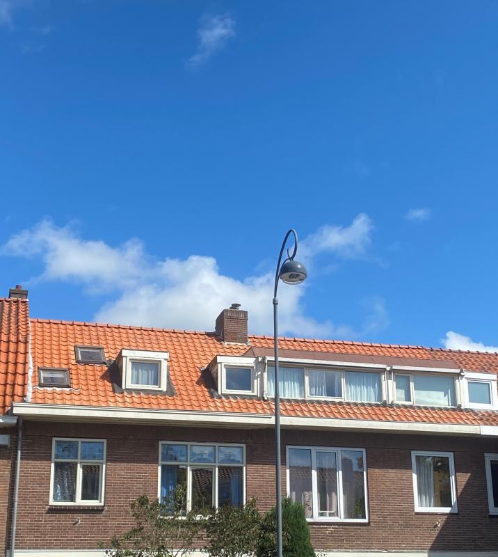 2 Complete pannendaken, Haarlem